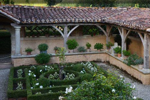 4990226_7_1307_dans-le-jardin-de-william-christie-a-thire_87eaf53f2222cfcbd920cc3e30557411