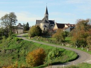 m-eglise-d-oulches-a-la-sortie-du-village-visorando-27192