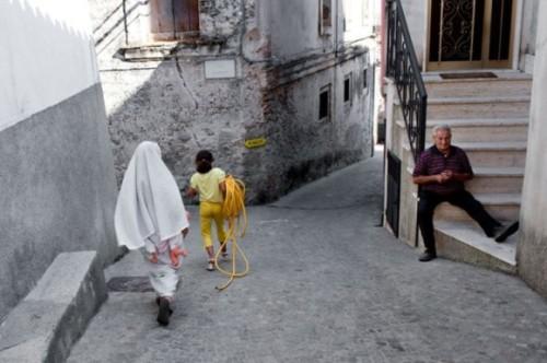 riace-italie-migrant-rue-e1446418351441-jpgriace