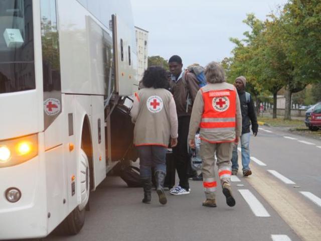 quarante-six-migrants-sont-arrives-ce-mardi-a-saint-pierre-des-corps_image_article_large