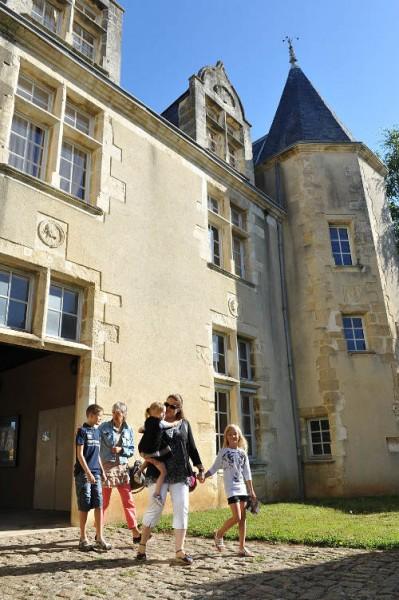 saint-maixent_lecole_-_hotel_balizy_-_haut_val_de_sevre_-_cph__wall_cd79_1