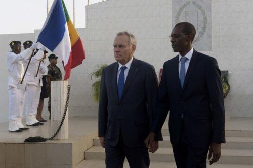 le-monde28_le-chef-de-la-diplomatie-francaise-jean-marc_54d3b654841a8ef14cdf897e73b1b911