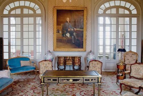 le-salon-bleu-traite-valencay-signe-11-decembre-1813-reste-intact_1_730_405