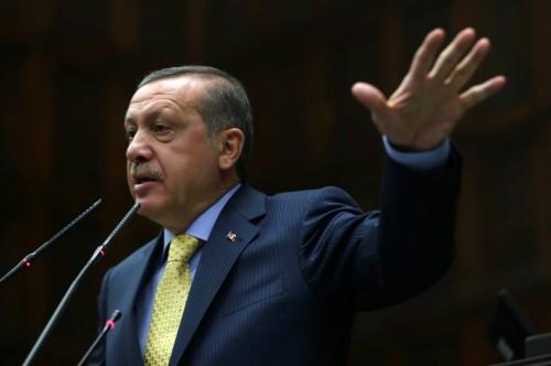 turquiepremier-ministre-turc-recep-tayyip-erdogan-a-la-tribune-du-parlement-le-27-mai-2014