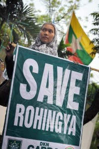 birmanie-et-le-bangladesh-de-proteger-la-minorite-rohingya_article_main-199x300