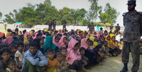 le-mondedes-rohingya-qui-ont-tent-de-traverser-le-fleuve_85b1b237aa8e108194a3fd1ae00232af