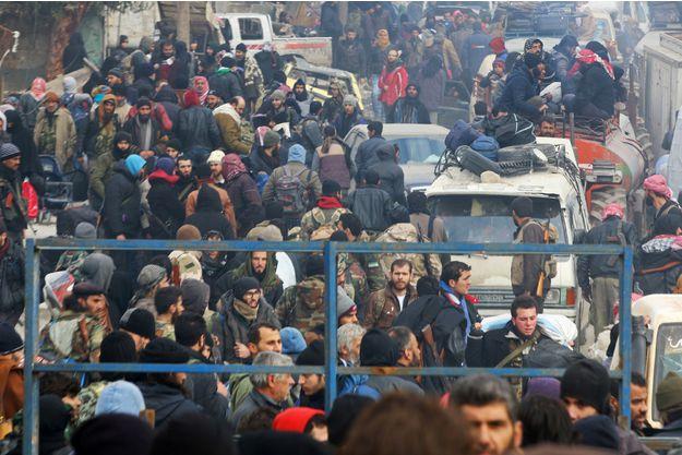 syrie-plus-de-4_000-rebelles-evacues-d-alep-ces-dernieres-heures