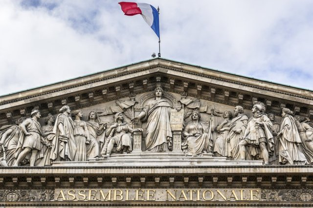 gaspillage-alimentaire-loi-assemblee-nationale-interdiction-jeter-nourriture-1