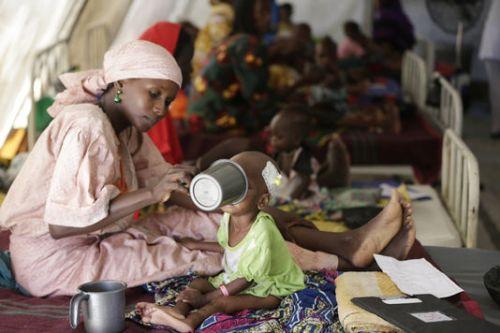le-monde-faminedans-le-camp-de-maiduguri-nigeria-gere-par_85dd0b4c4d0c3cbd00a1450d74394806