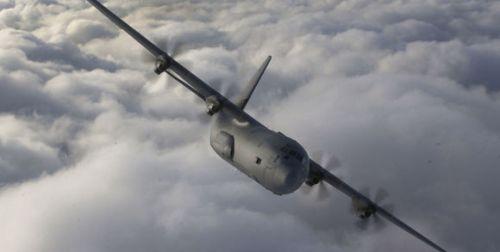 le-monde-un-avion-de-transport-militaire-c130j-hercules_ff5fb25ac18a7e49a206cbf6f46616bd